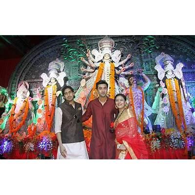 PIX: Ranbir Kapoor celebrates Durga puja - Filmi Wiki