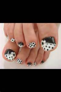 Black and White Polka Dot Pedicure
