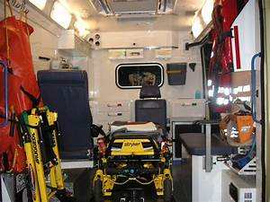 File:Austria ambulance inside.jpg - Wikimedia Commons