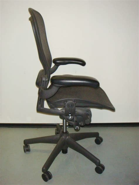 herman miller aeron chair size c used office furniture