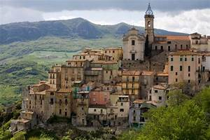Favorite Hilltop Towns in Italy, Honeymoons by WeddingWire ...