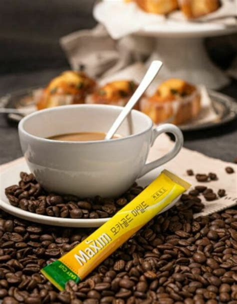 Enjoy maxim mocha gold coffee mix instantly without the fuss and hassle of making coffee from scratch. Korean Coffee Maxim Mocha Gold Mild 100 Sticks Coffee Mix ...