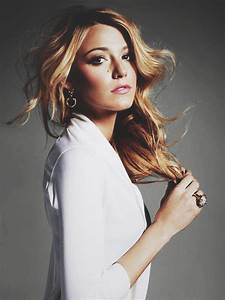 Black and White fashion actress Gossip Girl Blake Lively ...