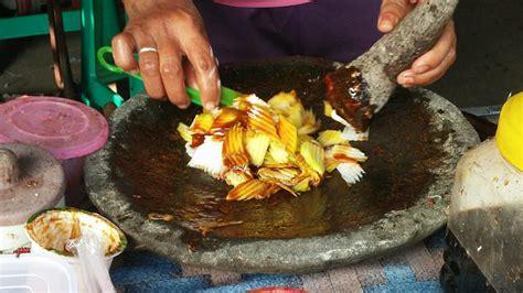 top  vegetarian food  eat  bali  indonesia