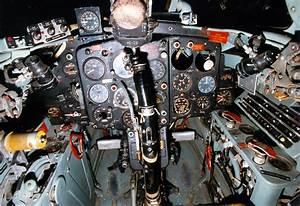 File:Mikoyan-Gurevich MiG-15 cockpit 070703-F-1234S-005 ...