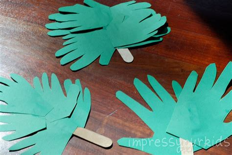 handprint palm branches for palm sunday family crafts 719 | handprint palm branches
