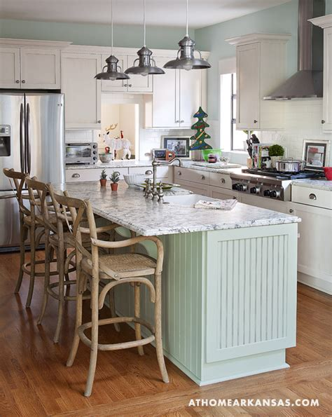 shabby chic cottage kitchen folk art and shabby chic cottage in arkansas decorated for holidays digsdigs