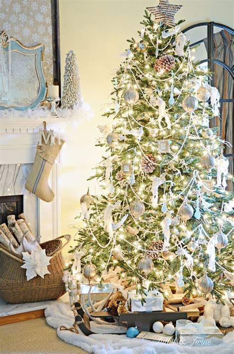 tips for decorating a christmas tree tidbits twine