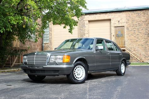 Wheels and lower spoiler pieces shown on this '84 were installed by amg. 1984 Mercedes-Benz 500SEL Euro | Chicago Car Club