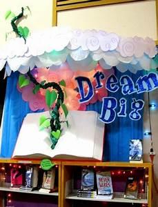 Best 25+ Reading display ideas on Pinterest Book corner