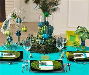 Peacock Theme Christmas Table Decorating Ideas