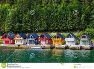 Häuser In Norwegen : norwegische fjord h user stockbild bild von gemalt traditionell 57160463 ~ Buech-reservation.com Haus und Dekorationen