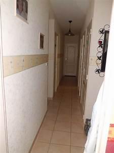 decorer un couloir etroit kirafes With quelle couleur de peinture pour un couloir sombre 1 12 idees deco pour styliser un couloir long etroit ou sombre