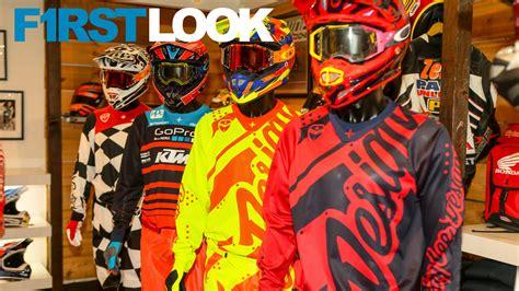 kids motocross helmets first look 2018 troy lee designs gear and helmet line