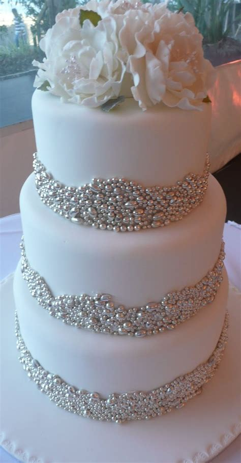 Best 25 Silver Wedding Cakes Ideas On Pinterest Silver