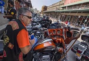 Locals debate motorcycles' effects on historic buildings ...