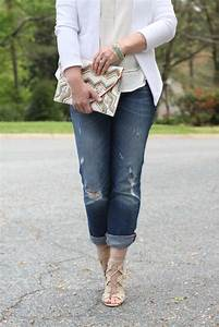 How to dress up boyfriend jeans for a great date night look