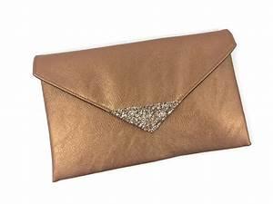 Pochette Rose Gold : pochette de soir e en en simili cuir cuivr et paillettes rose gold sacs main par fil des ~ Teatrodelosmanantiales.com Idées de Décoration