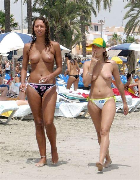 Fotos De Chicas Desnudas En La Playa