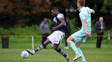 Millwall boss explains Isaac Olaofe's recall from St ...