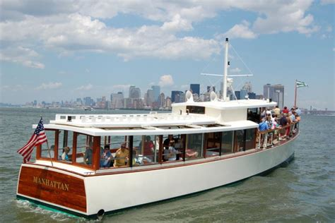 Classic Boat Cruise Nyc by Chagne Sunset Cruise Classic Harbor Line Yacht