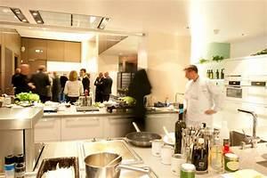Häcker Küchen Rödinghausen : h cker k chen r dinghausen stattet cooking lounge im olympiastadion berlin aus ~ Buech-reservation.com Haus und Dekorationen