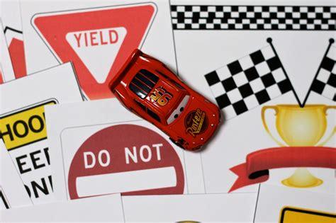 race car printables  diy checkered flag  race track