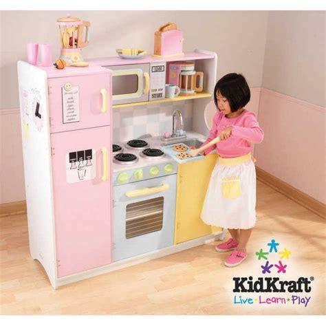 grande cuisine kidkraft cuisine en bois pour enfant pastel en bois 107x cuisine