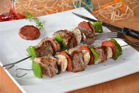 cuisiner la viande brochettes de boeuf et chorizo au fil du thym