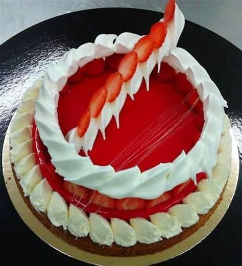 dessert fraise meringue chantilly plus de 1000 id 233 es 224 propos de desserts aux fraises sur cr 232 me 224 la vanille