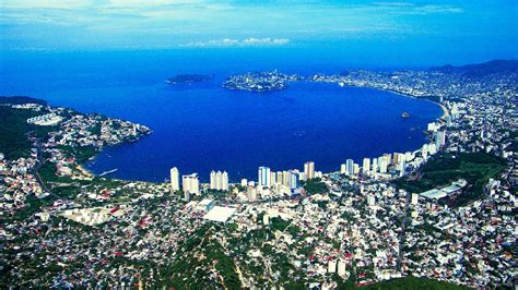 International cruise lines are putting Acapulco in their