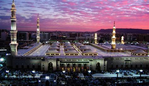 arabian aerospace flydubai  commence flights  medina