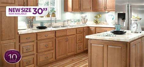kitchens with hardwood floors honeynoak cabinet with wood floor honey oak kitchen 6626