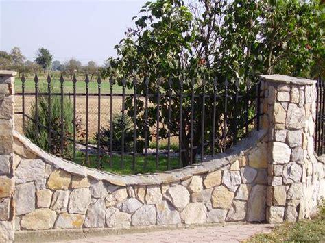 Zäune Aus Stein by Sandstein G 252 Nstig Sandsteins 228 Ulen Sandstein Mauer Bei