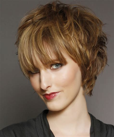 Short Straight Light Golden Brunette Hairstyle with Blunt