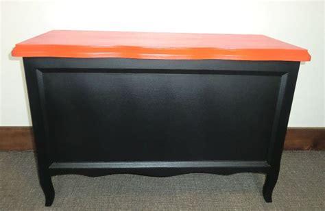 coffre a jouet noir coffre a jouet refait atelier darblay le meuble d 224 c 244 t 233