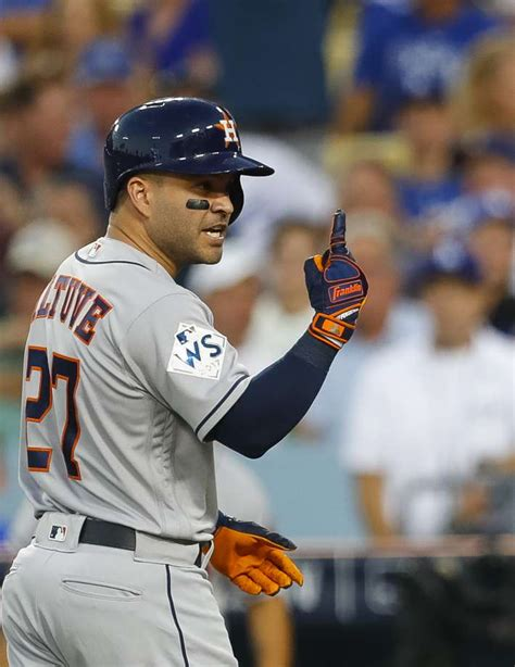 astros jose altuve posts sweet picture   family