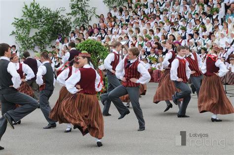 Bērnu veselība un labsajūta skolēnu dziesmu un deju ...