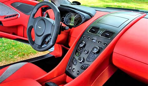 Gambar Mobil Aston Martin Vanquish by Interior Dan Eksterior Mobil Aston Martin Vanquish