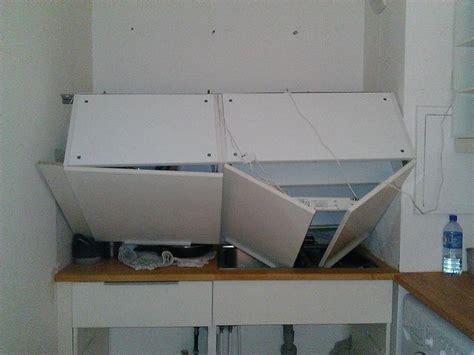fixation meuble haut cuisine placo fixation meuble cuisine haut sur placo image sur le