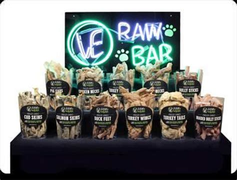 vital essentials ve raw bar display