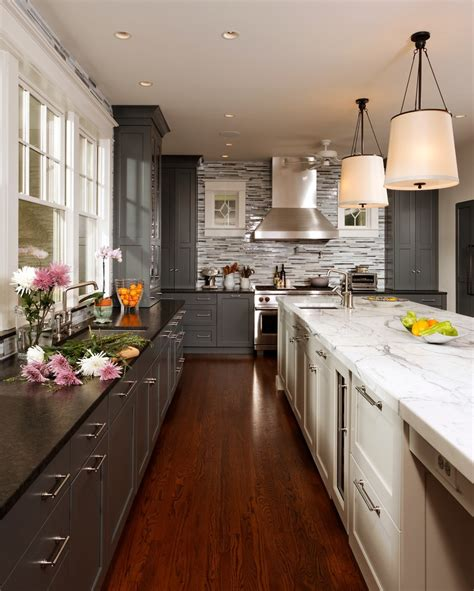 two colour kitchen cabinets 35 two tone kitchen cabinets to reinspire your favorite 6424