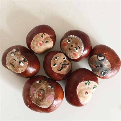 was kann aus kastanien basteln instagram photo by sally welchman moggshop nature acorns and conkers craft ideas