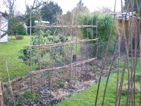 zaun bauen pfosten setzen forum zaunpfosten einbetonieren richtig setzen sichtschutzzaun aus