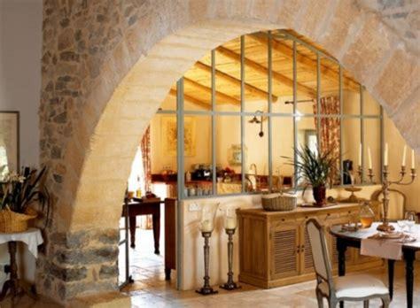 una casa estilo cottage