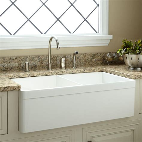 Home Depot Canada Farm Sink by 17 Best Ideas About Fireclay Farmhouse Sink On