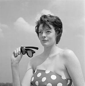 Is that Maggie Smith? Never-before-seen pics of TV's ...