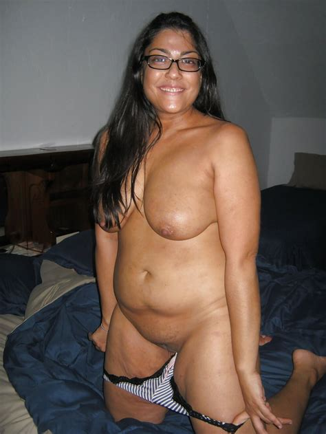 high class girl nude pics girl remove bra panty full