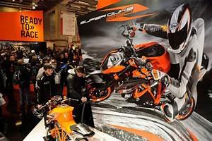 Salon De L Automobile 2018 Paris : salon de paris 2018 la moto sera avec l 39 automobile ~ Medecine-chirurgie-esthetiques.com Avis de Voitures