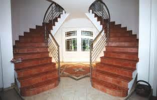 Einfamilienhaus Rustikale Holztreppe by Sch 246 Ne Treppen F 252 R Ihren Haus